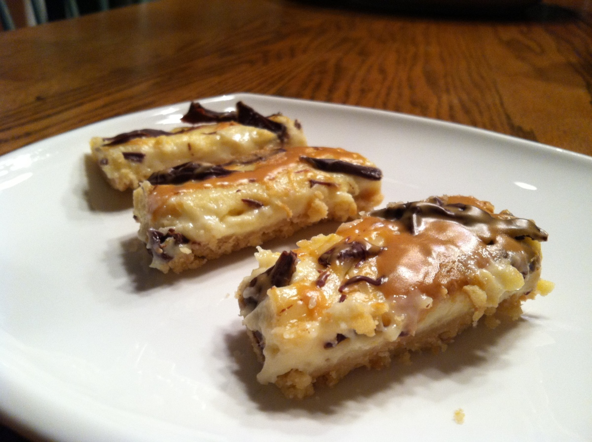 animal cracker cheesecake bars