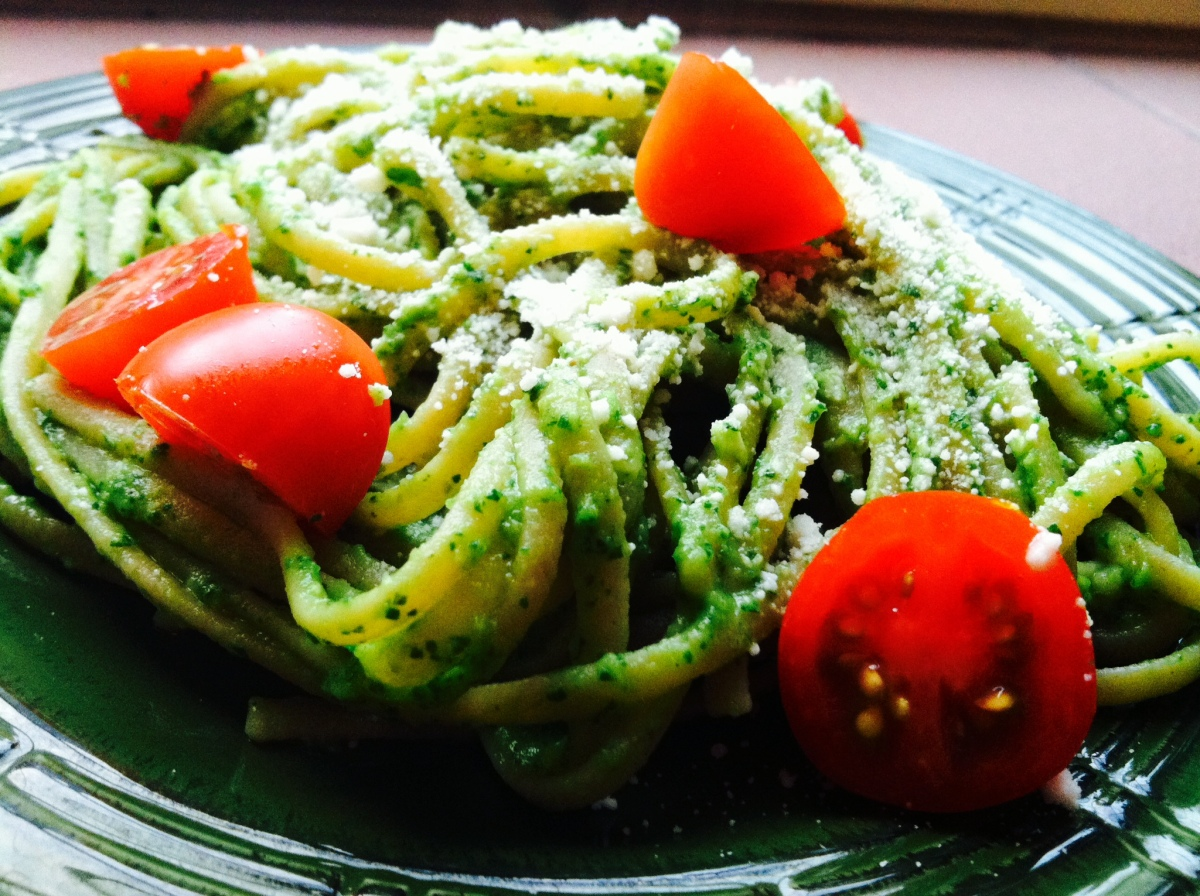linguine w/ avocado arugula pesto